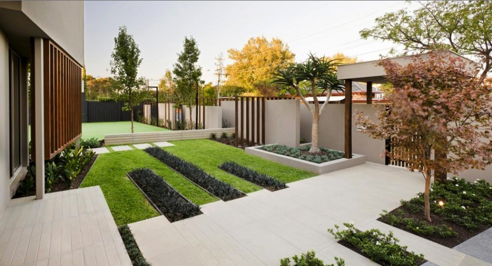 Lovely minimalist garden d cor containment at its best for Minimalist house with garden